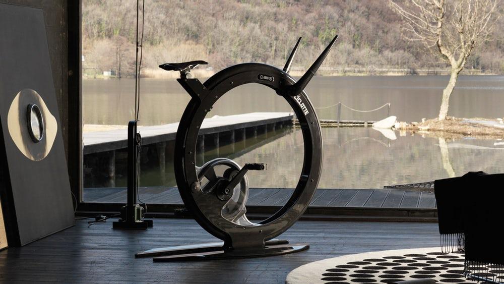 Ciclotte Carbon Fiber: необычный «морской» велотренажёр